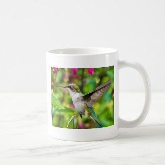 飛行中のハチドリ コーヒーマグカップ