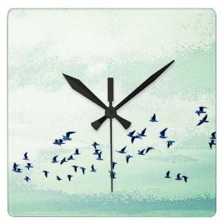 飛行中の鳥 スクエア壁時計