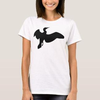 飛行中の黒い鵜 Tシャツ