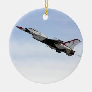 飛行中のF-16雷鳥 セラミックオーナメント