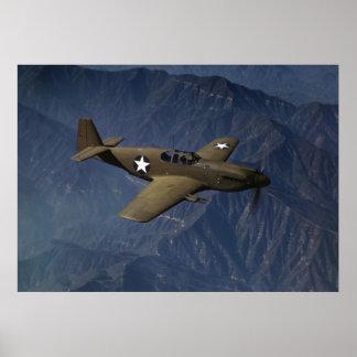 飛行中のP-51ムスタング、1942年 ポスター
