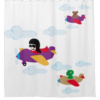 飛行機での男の子、おもしろいなくまおよびディーノの飛行 シャワーカーテン