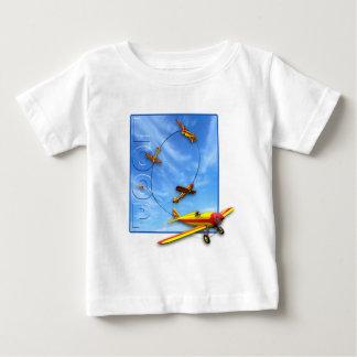 飛行機とのループ曲技飛行の操縦 ベビーTシャツ