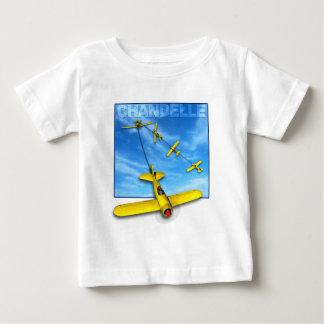 飛行機との急上昇方向転換の曲技飛行の操縦 ベビーTシャツ