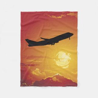 飛行機の飛行中に小さいフリースブランケット フリースブランケット