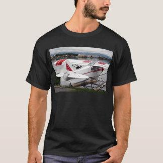 飛行機19の湖のフード47 Alaska1 437 e sh30 30を浮かべて下さい Tシャツ