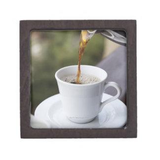 食糧、食糧および飲み物のコーヒーは、Carafe注ぎます、 ギフトボックス