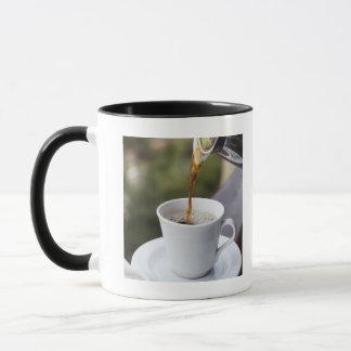 食糧、食糧および飲み物のコーヒーは、Carafe注ぎます、 マグカップ