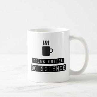 飲み物のコーヒーは、科学のマグをします コーヒーマグカップ