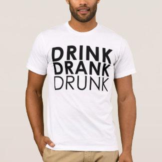 飲み物は酔ったTシャツを飲みました Tシャツ