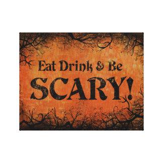 飲み物を食べ、ハロウィンの恐い装飾があって下さい キャンバスプリント