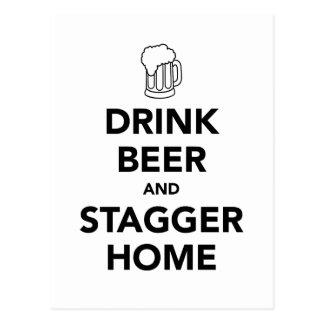 飲み物ビールおよびよろめきの家 ポストカード
