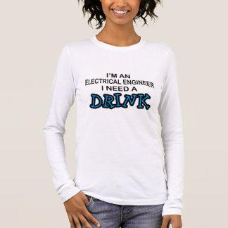 飲み物-電気技師--を必要として下さい Tシャツ