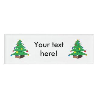 飾られたクリスマスツリーの漫画 名札