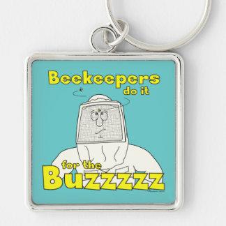 養蜂家はBuzzzzz - Keychainのためのそれをします シルバーカラー正方形キーホルダー