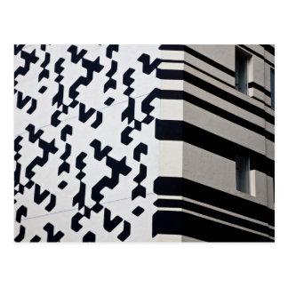 香港のモダンな白黒建物 ポストカード