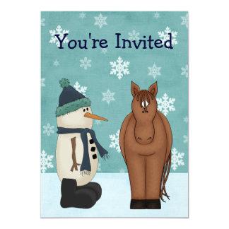 馬および雪だるまの冬の誕生日の招待状 カード