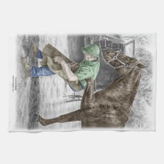 馬に蹄鉄を打っている蹄鉄工の鍛治屋 キッチンタオル