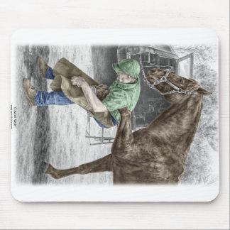 馬に蹄鉄を打っている蹄鉄工の鍛治屋 マウスパッド