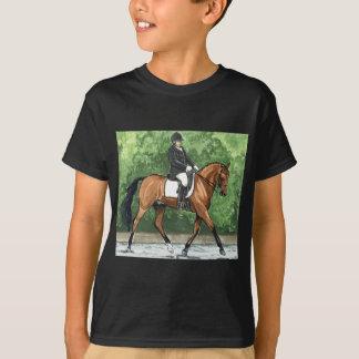 馬の芸術の馬場馬術の馬湾の小走りに走ること Tシャツ