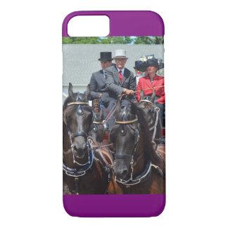 馬ショーを運転するクルミの丘キャリッジ iPhone 8/7ケース