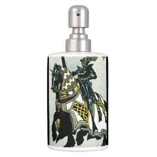 「馬上の騎士」イメージのローションの容器 バスセット