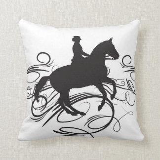 馬場馬術の枕 クッション
