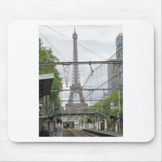 駅、パリからのエッフェル塔の眺め マウスパッド