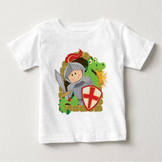 騎士およびドラゴン ベビーTシャツ