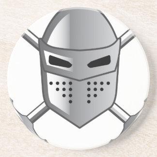 騎士のヘルメットおよび交差させた剣のベクトル コースター
