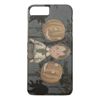 驚かされた男の子のハロウィーンのカボチャのちょうちんのカボチャ黒猫 iPhone 8 PLUS/7 PLUSケース