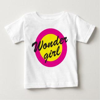 驚異の女の子 ベビーTシャツ