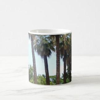 高いヤシの木のマグの写真 コーヒーマグカップ