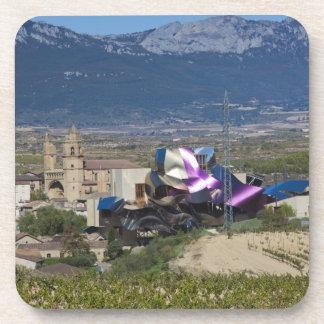 高い町の眺めおよびHotel Marques de Riscal 2 コースター