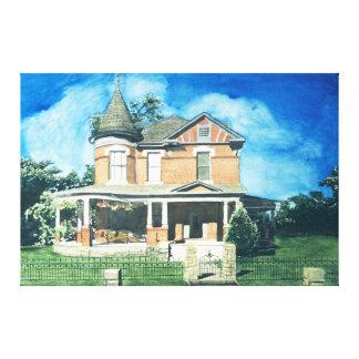 高さ通りの歴史的家-赤 キャンバスプリント