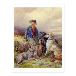 高地のlandscaのwolfhoundsを持つスコットランドの男の子 ポストカード