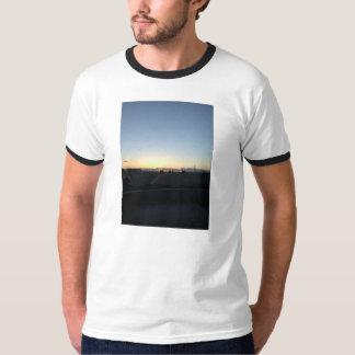 高速道路の日没。 平和 Tシャツ