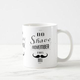 髭そりの11月のおもしろTシャツ無し コーヒーマグカップ