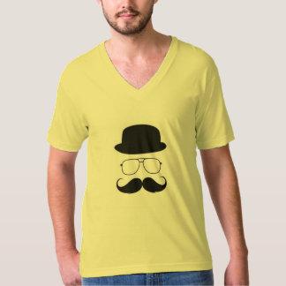 髭の茶色のTシャツ Tシャツ