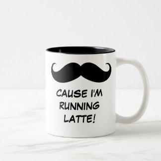 髭の(紛砕しなければなりません)原因私はラテを走っています! マグ