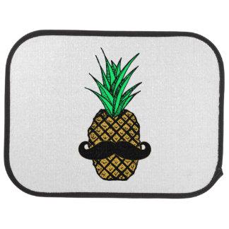髭を搭載するおもしろいな熱帯パイナップル カーマット