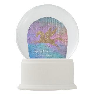 魅了されたユニコーンの輝きの少しの雪の地球 スノーグローブ