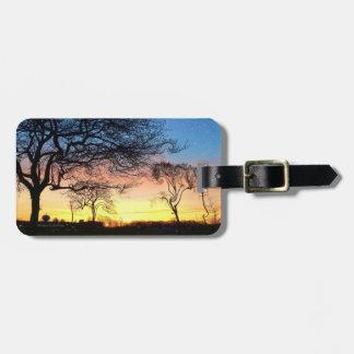 魅了された木の荷物のラベルとのPrarieの日没 ラゲッジタグ
