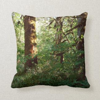 魅了された森林装飾用クッション クッション