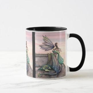 魅了された薄暗がりの妖精のドラゴンのマグ マグカップ