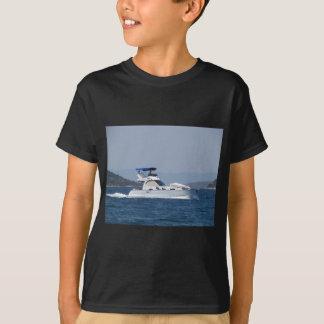 魅力的で小さいモーターボート Tシャツ