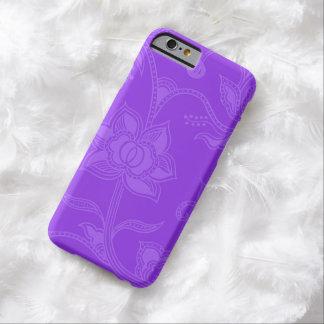魅力的なヴィンテージの花の紫色の紫色 BARELY THERE iPhone 6 ケース