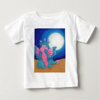 魔法のドラゴンは吹きます ベビーTシャツ