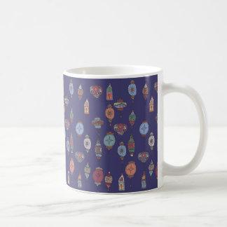 魔法のモロッコのランタンの濃紫色のマグ コーヒーマグカップ