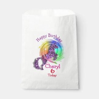 魔法の虹のユニコーンのテーマのパーティ フェイバーバッグ